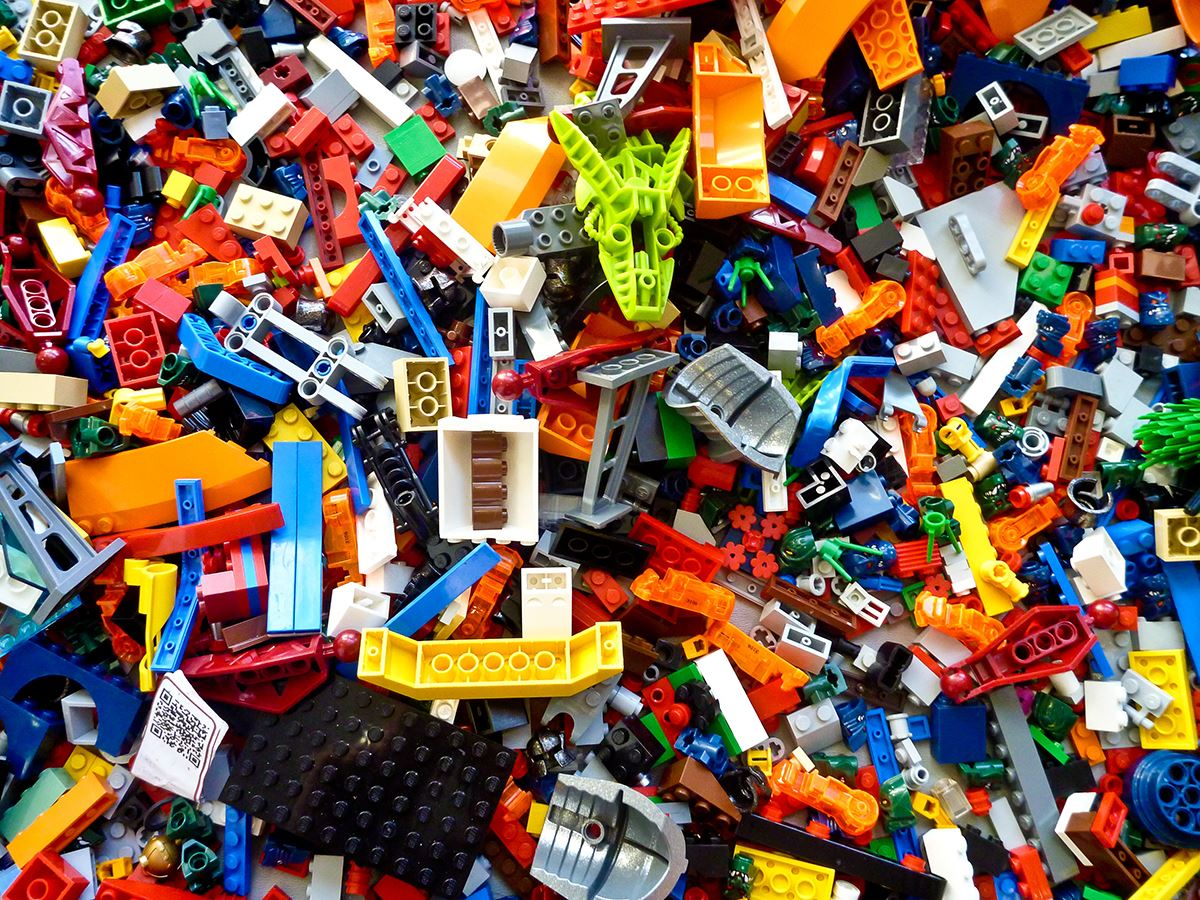 pile of assorted legos