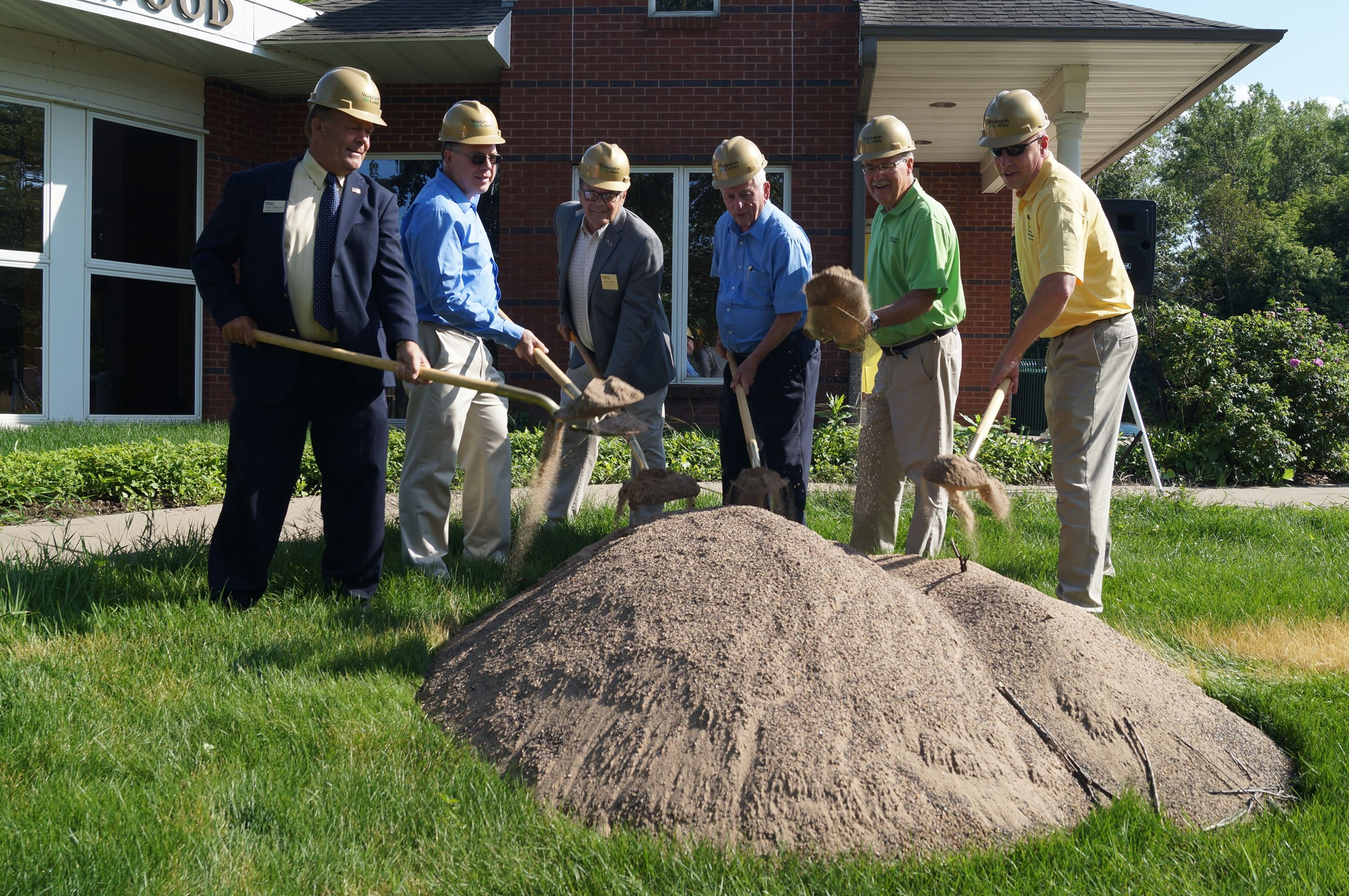 Wildwood groundbreaking with commissioners
